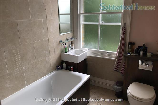 Spacious, quiet 1-bed flat (75 sqm) in Highbury/Islington, opposite a park Home Rental in Greater London, England, United Kingdom 5
