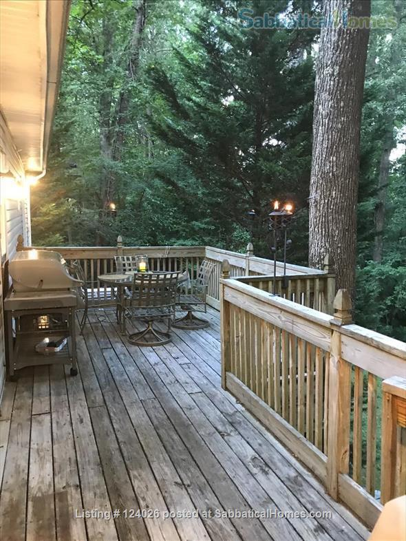 House in the trees and the heart of Chapel Hill -1 mile to UNC/Franklin St. Home Rental in Chapel Hill, North Carolina, United States 3