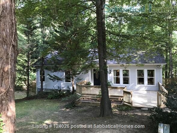 House in the trees and the heart of Chapel Hill -1 mile to UNC/Franklin St. Home Rental in Chapel Hill, North Carolina, United States 8