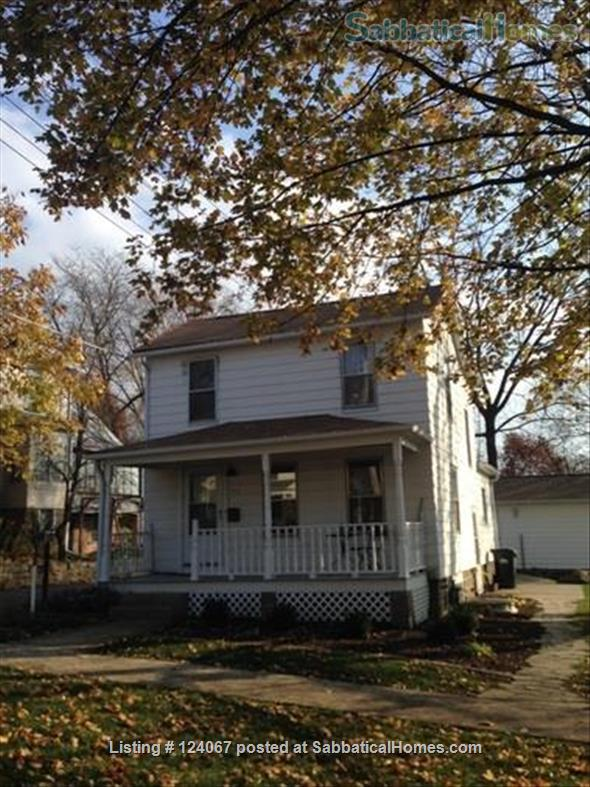 The Little House Home Rental in Iowa City, Iowa, United States 5