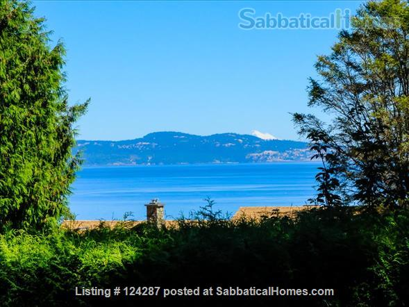 Bright, modern 2-bedroom suite: Ocean Views, walk  to Arbutus Cove & UVic. Home Rental in Victoria, British Columbia, Canada 0