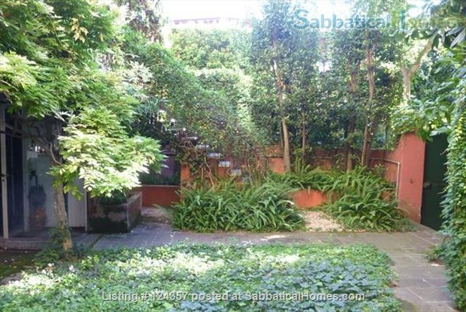 A haven of green and light in the centre of Rome: totally silent independent house with a large roof top terrace and a lush private garden. Home Rental in Roma, Lazio, Italy 0