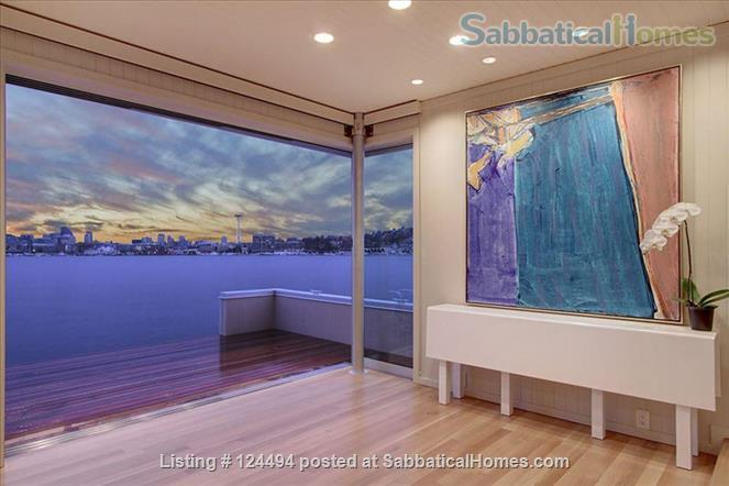 Sleepless in Seattle Floating Home Home Rental in Seattle, Washington, United States 1