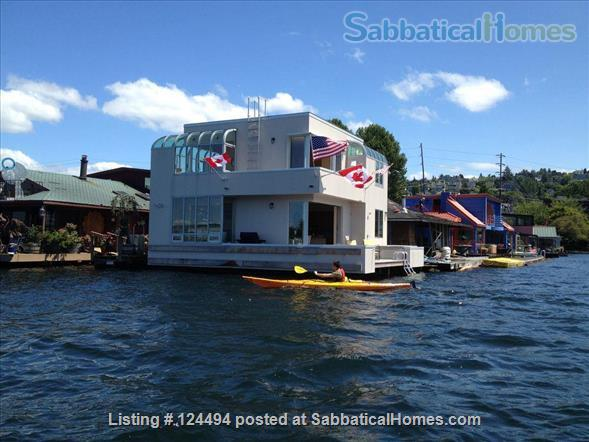 Sleepless in Seattle Floating Home Home Rental in Seattle, Washington, United States 8