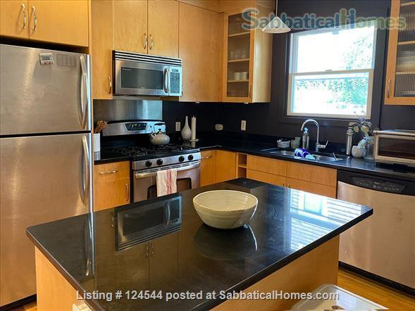 Furnished 2 bedroom / 2 bathroom condominium in Somerville Home Rental in Somerville, Massachusetts, United States 3