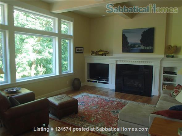 Stunning new home backs onto forested open space Home Rental in Corvallis, Oregon, United States 0