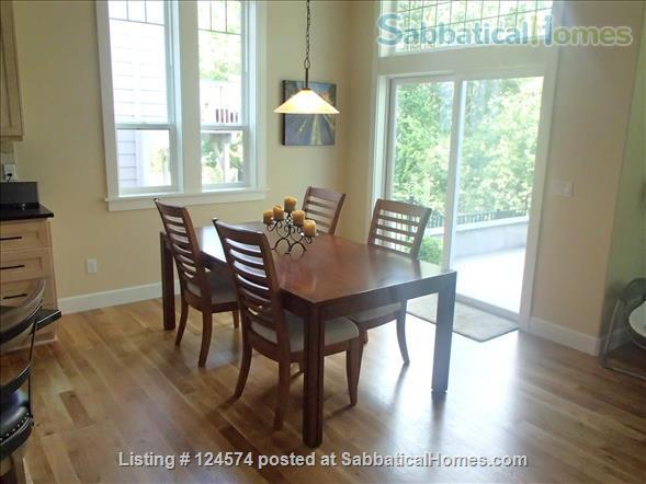 Stunning new home backs onto forested open space Home Rental in Corvallis, Oregon, United States 3