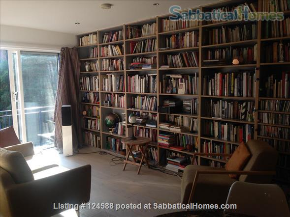 Central London,  Bright Comfortable 1-Bed Apartment, Walking Distance West End, UCL/LSE, Kings Cross St Pancras stations, British Library Home Rental in Clerkenwell, England, United Kingdom 0