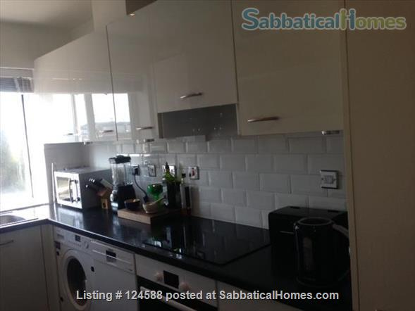 Central London,  Bright Comfortable 1-Bed Apartment, Walking Distance West End, UCL/LSE, Kings Cross St Pancras stations, British Library Home Rental in Clerkenwell, England, United Kingdom 3
