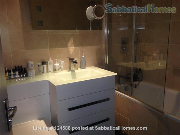 Central London,  Bright Comfortable 1-Bed Apartment, Walking Distance West End, UCL/LSE, Kings Cross St Pancras stations, British Library Home Rental in Clerkenwell, England, United Kingdom 5