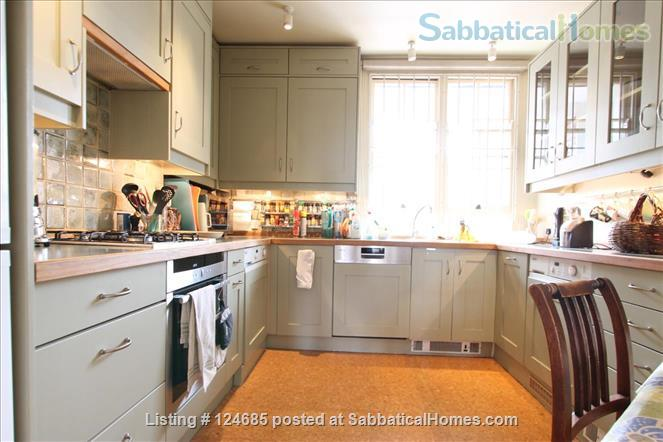 Bright and airy Bloomsbury top floor 1 bedroom  flat with lift  Home Rental in London, England, United Kingdom 5