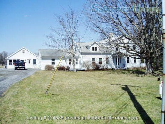 Charming, well maintained 1850 Farm House Home Rental in Ithaca, New York, United States 1