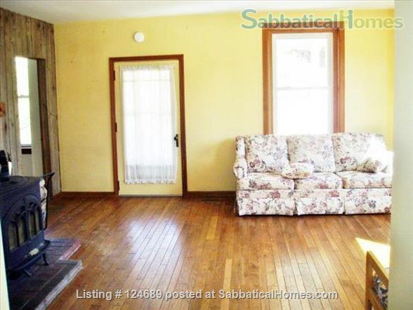 Charming, well maintained 1850 Farm House Home Rental in Ithaca, New York, United States 3