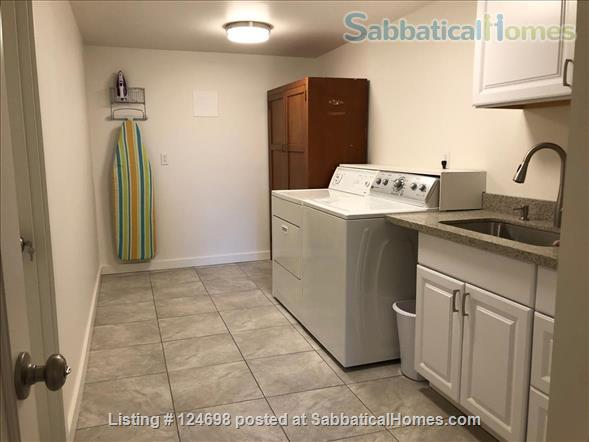 Hawthorne Hills. One bedroom apartment in daylight basement, with private entrance.  Home Rental in Seattle, Washington, United States 6