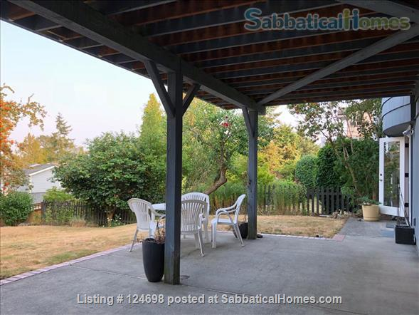 Hawthorne Hills. One bedroom apartment in daylight basement, with private entrance.  Home Rental in Seattle, Washington, United States 8