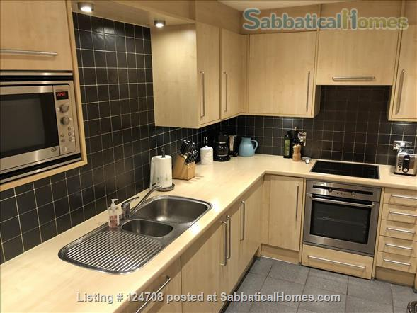 2BD 2BATH Angel Bright and Airy Flat with Patio and Concierge Home Rental in Clerkenwell, England, United Kingdom 3