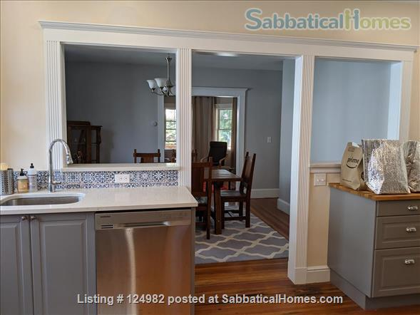 Sunny apt with bedroom and office near Tufts, Harvard, & MIT - Util included Home Rental in Arlington, Massachusetts, United States 3