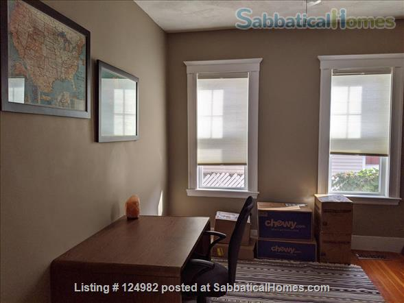 Sunny apt with bedroom and office near Tufts, Harvard, & MIT - Util included Home Rental in Arlington, Massachusetts, United States 5