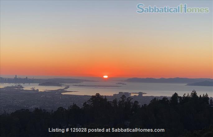 Large Family Home in the Oakland hills with Panoramic San Francisco Bay views • 3 bedrooms and 3 1/2 baths Home Rental in Oakland, California, United States 9