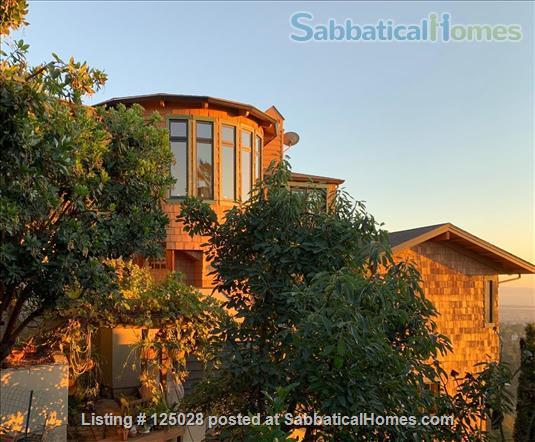 Large Family Home in the Oakland hills with Panoramic San Francisco Bay views • 3 bedrooms and 3 1/2 baths Home Rental in Oakland, California, United States 0