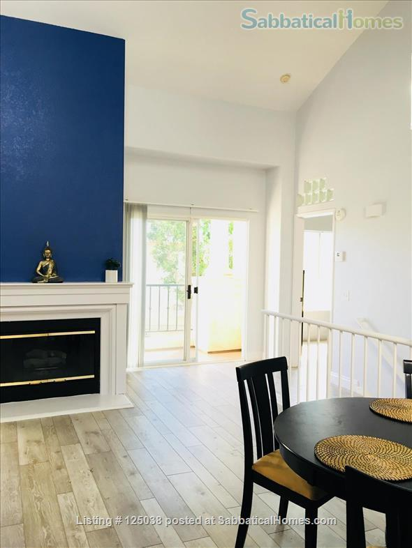 Spacious, furnished townhouse ideal for UCSD, Scripps, Salk, Torrey Pines! Home Rental in San Diego 0