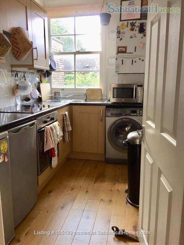 Lovely one-bedroom maisonette in Mile End, near QMU, Central/District Lines Home Rental in Greater London, England, United Kingdom 4