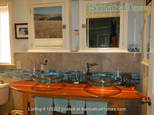 CASA DE LAS PALMAS , 3 br/2 bath  Fully furnished Beach-Style Cottage in Santa Barbara, CA Home Rental in Santa Barbara 5