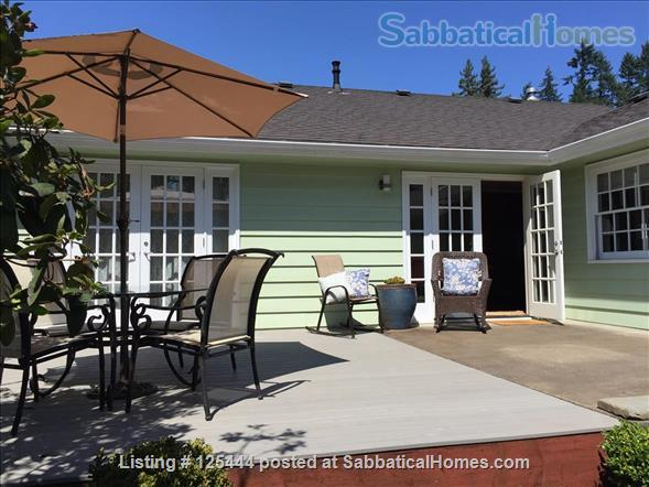 Campus Guest House Home Rental in Eugene, Oregon, United States 9
