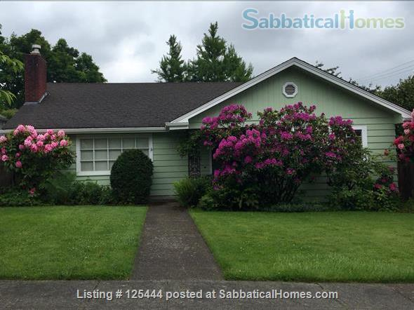 Campus Guest House Home Rental in Eugene, Oregon, United States 1