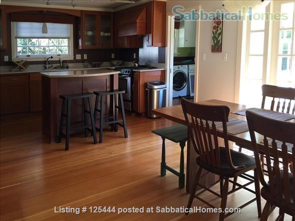 Campus Guest House Home Rental in Eugene, Oregon, United States 6