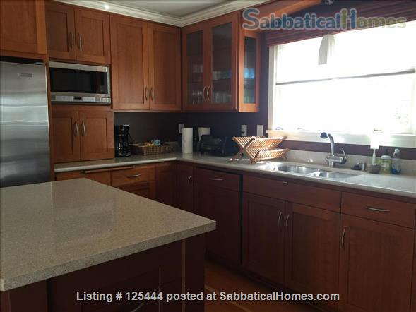 Campus Guest House Home Rental in Eugene, Oregon, United States 7