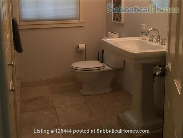 Campus Guest House Home Rental in Eugene, Oregon, United States 8