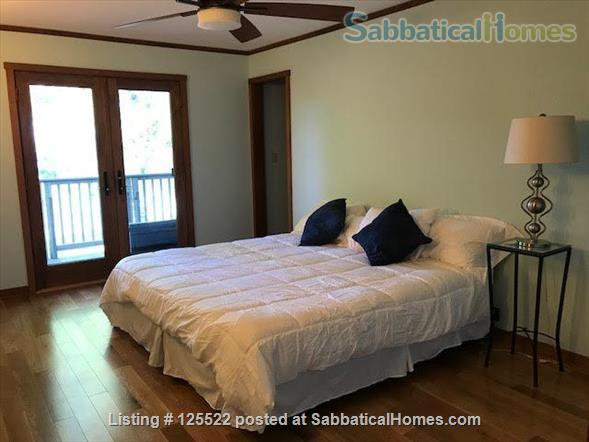 Three Bedroom on Lake Champlain, 20 min to Burlington Home Rental in South Hero, Vermont, United States 2