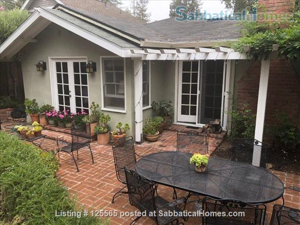 Adorable Carmel Cottage Near Stanford University Home Rental in Menlo Park, California, United States 3