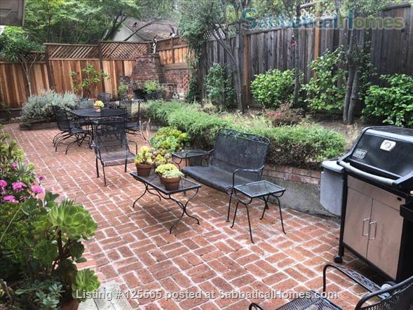 Adorable Carmel Cottage Near Stanford University Home Rental in Menlo Park, California, United States 4