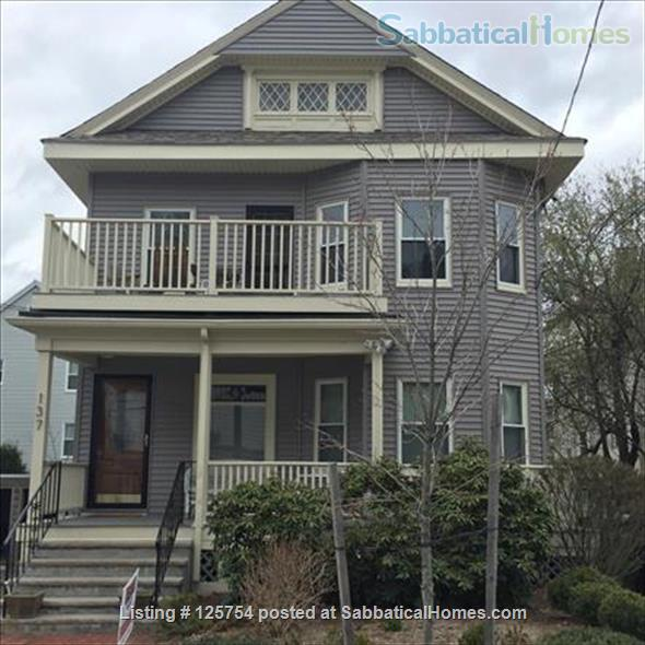 Sunny, spacious 2nd floor, 1-bed, 5-room furnished home, 2 mi from Harvard Home Rental in Watertown, Massachusetts, United States 7