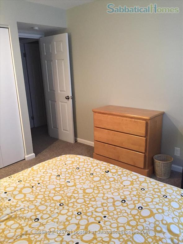 Large 2 BDR 2 bath condo - 2.3 miles from campus1.5 miles from Big House Home Rental in Ann Arbor, Michigan, United States 9