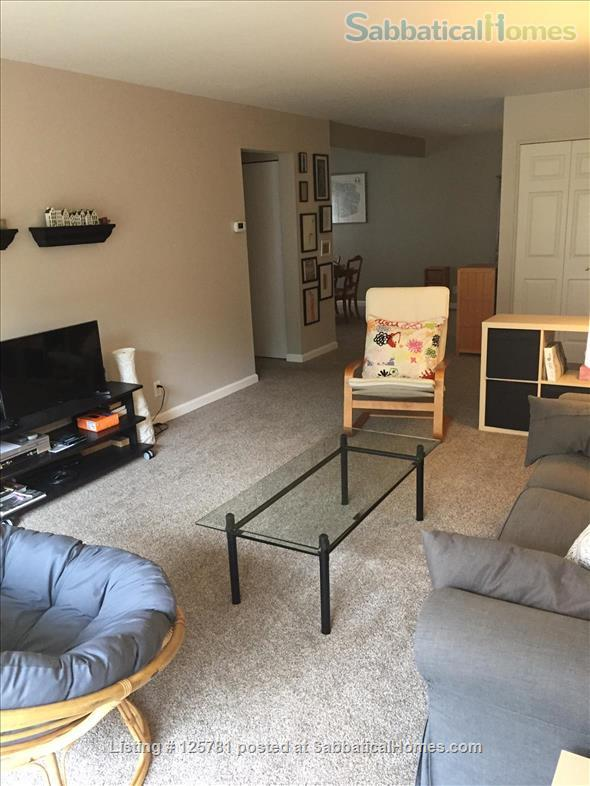 Large 2 BDR 2 bath condo - 2.3 miles from campus1.5 miles from Big House Home Rental in Ann Arbor, Michigan, United States 0