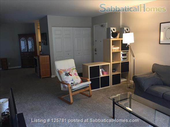 Large 2 BDR 2 bath condo - 2.3 miles from campus1.5 miles from Big House Home Rental in Ann Arbor, Michigan, United States 3