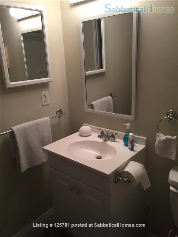 Large 2 BDR 2 bath condo - 2.3 miles from campus1.5 miles from Big House Home Rental in Ann Arbor, Michigan, United States 7