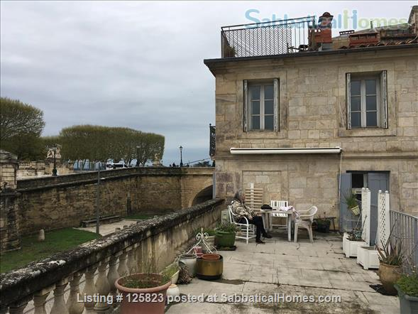 Spacious duplex with fabulous terrasse, patio & piano in Ecusson  historical center Home Rental in Montpellier, Occitanie, France 1