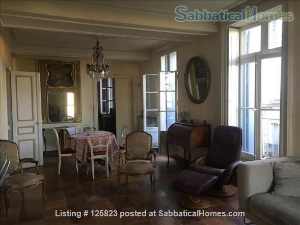 Spacious duplex with fabulous terrasse, patio & piano in Ecusson  historical center Home Rental in Montpellier, Occitanie, France 2
