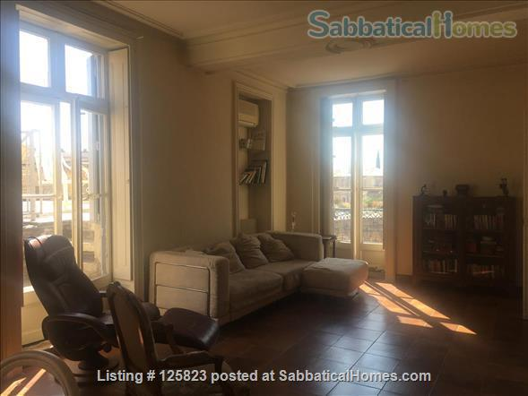 Spacious duplex with fabulous terrasse, patio & piano in Ecusson  historical center Home Rental in Montpellier, Occitanie, France 3