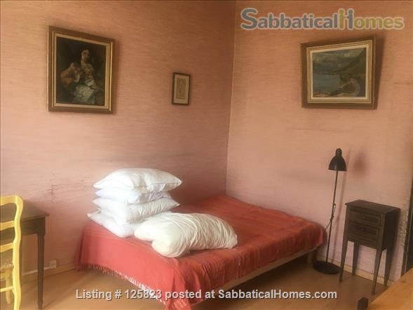 Spacious duplex with fabulous terrasse, patio & piano in Ecusson  historical center Home Rental in Montpellier, Occitanie, France 7