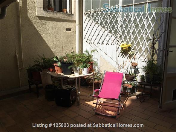 Spacious duplex with fabulous terrasse, patio & piano in Ecusson  historical center Home Rental in Montpellier, Occitanie, France 8