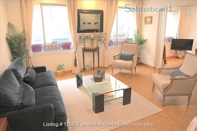 BRIGHT AND ELEGANT 3 BEDS 2 BATHS APARTMENT ON EXCLUSIVE ILE ST. LOUIS -  MARAIS - 75004 PARIS Home Rental in Paris, IDF, France 1