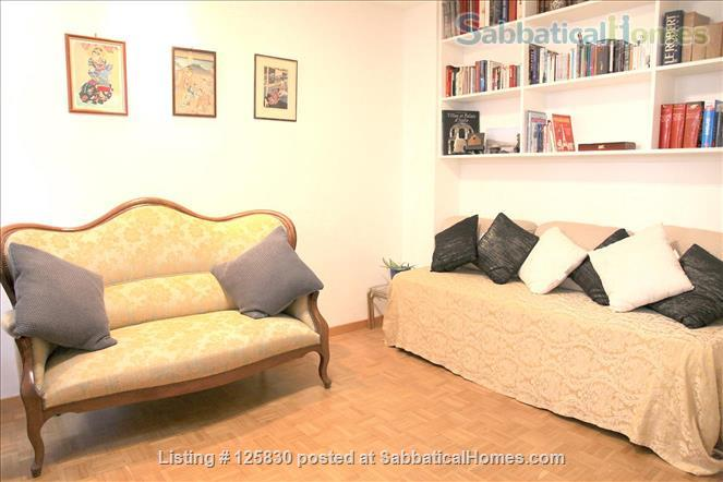 BRIGHT AND ELEGANT 3 BEDS 2 BATHS APARTMENT ON EXCLUSIVE ILE ST. LOUIS -  MARAIS - 75004 PARIS Home Rental in Paris, IDF, France 3