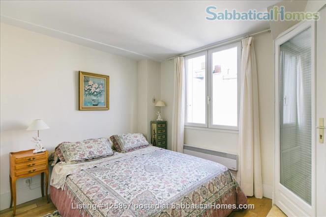 Le Louvre retreat - luxurious apartment Paris - Center - rue de Rivoli Home Rental in Paris, Île-de-France, France 3