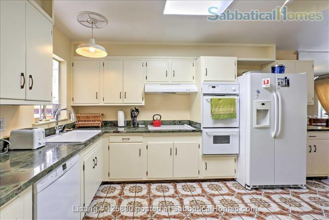 large, PET-SAFE mid-century in SF's Noe Valley, garage, 95 walk score! All utilities paid! Home Rental in San Francisco, California, United States 0