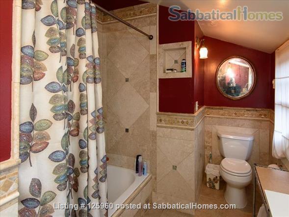 3 Bedroom Home, Walk to University of Washington Home Rental in Seattle, Washington, United States 9